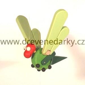 dreveny-letavec-kobylka-konik