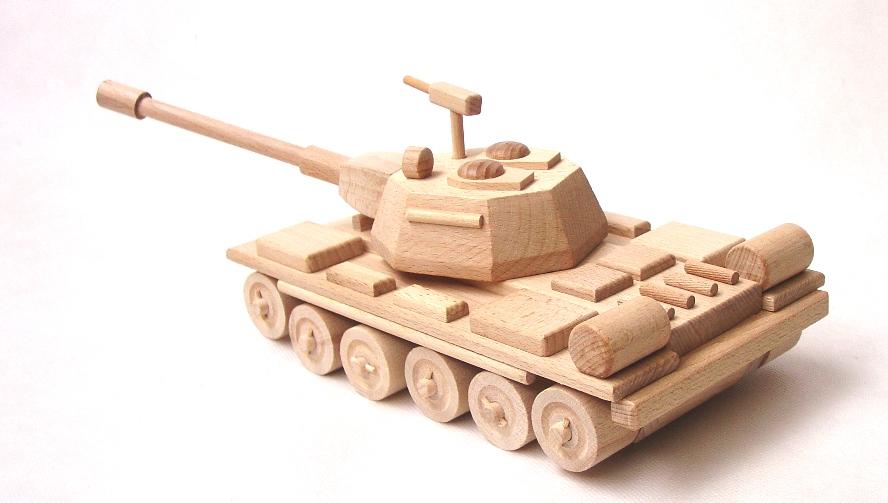 _vyrp11_8dreveny-tank